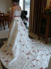 Wedding dress size 9-10 NOWRA